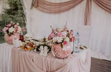Аренда свадебных декораций и оформление зала